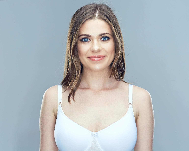 Naine peale rinnasuurendusoperatsiooni